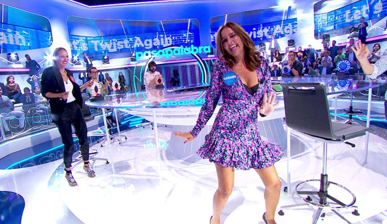 Carmen Alcayde causa furor en 'La Pista' y baila 'Let's twist again' junto a Eva González y Roberto Leal