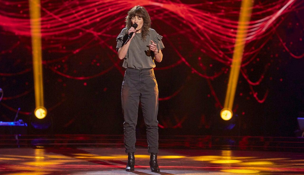 Dolores Berg emociona cantando 'Lucía'