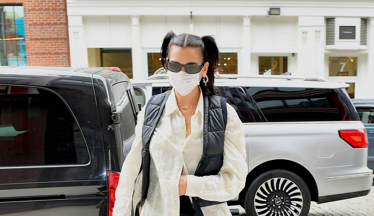 Dua Lipa llega a Nueva York para conocer a la hija de su famosa cuñada, Gigi Hadid