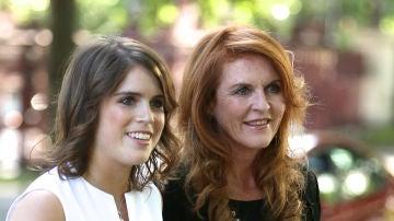 Eugenia de York y su madre Sarah Ferguson