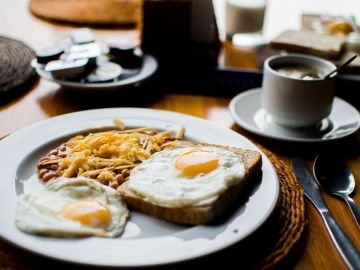 ¿Es bueno comer huevos en el desayuno? Las claves para desayunar de forma saludable