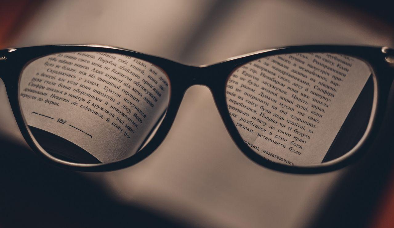Usar gafas a diario puede disminuir el riesgo de contagio de coronavirus