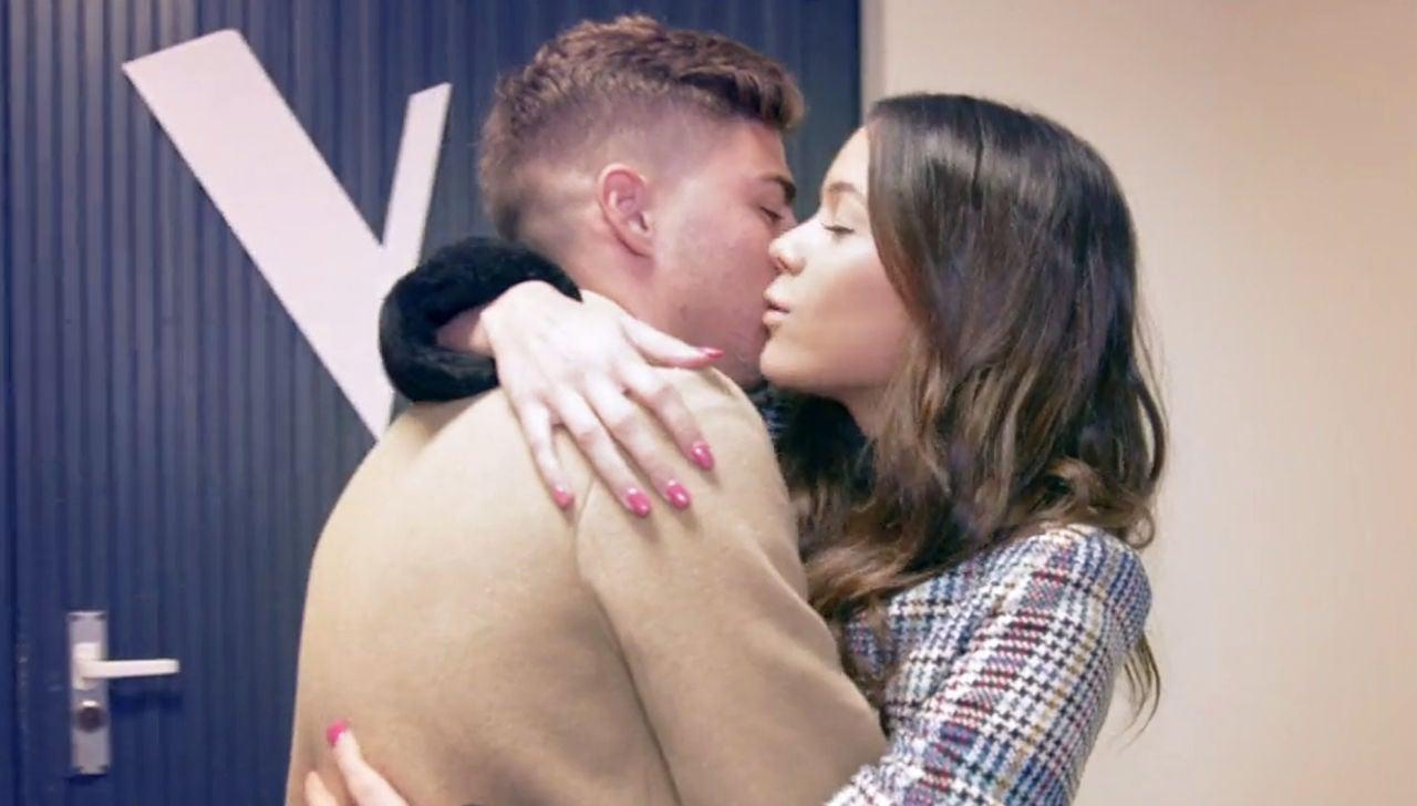 Alejandro Pozo apoya a su chica Pilar Bogado en 'La Voz'