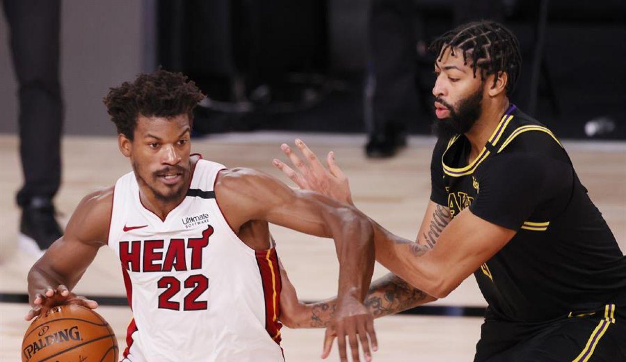 Jimmy Butler, con un triple doble, obliga a un sexto partido en las finales de la NBA entre Heat y Lakers