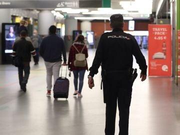 Imagen de la Policía Nacional en la estación de Atocha