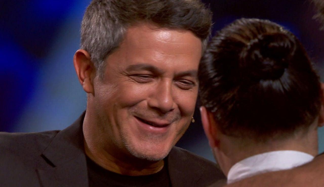 El emotivo momento en el que Alejandro Sanz reconoce a un talent en 'La Voz'