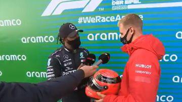 La emotiva sorpresa de Mick Schumacher a Hamilton después de que igualase el récord de 91 victorias de su padre
