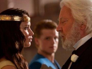 Katniss y Snow en 'Los juegos del hambre'