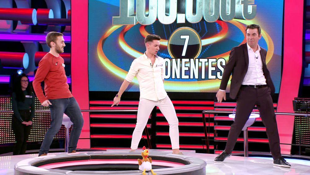 Clase de perreo en '¡Ahora caigo!': así enseña un profesor de baile los pasos básicos a Arturo Valls
