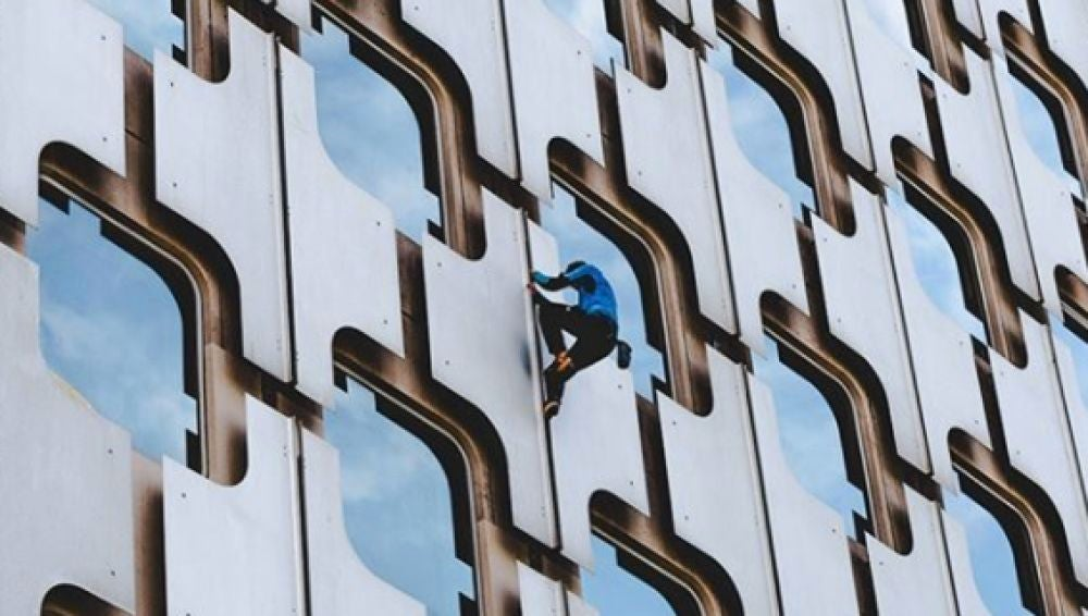 Leo Urban, en plena escalada a la Torre Ariane
