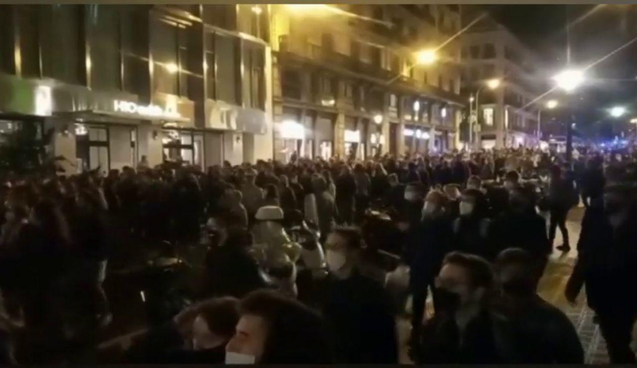 Los CDR cortan el tráfico y crean barricadas con contenedores en Barcelona