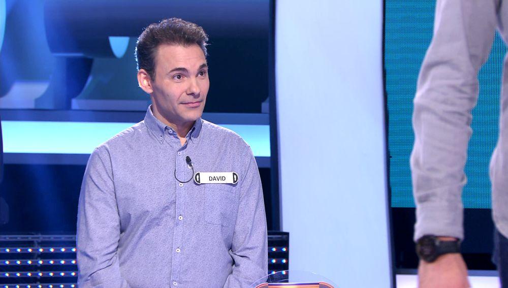 Arturo Valls se rinde ante el mejor concursante de la prueba 'Vaya lío' en la historia de '¡Ahora caigo!'