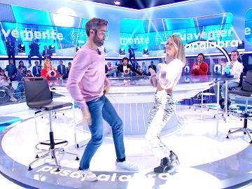 Espectacular duelo de movimiento de caderas entre Roberto Leal y Nerea con un exitazo de Elvis Crespo en 'La Pista'