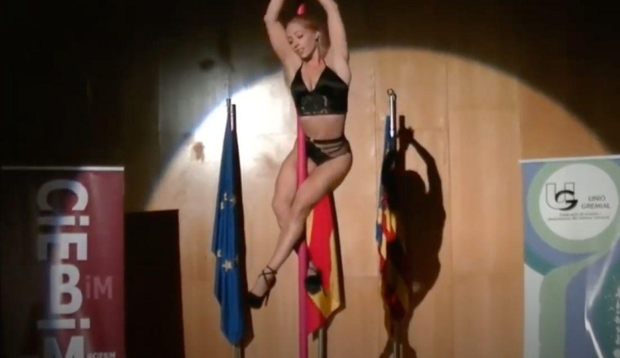 La gimnasta Claudia Poveda, en plena actuación