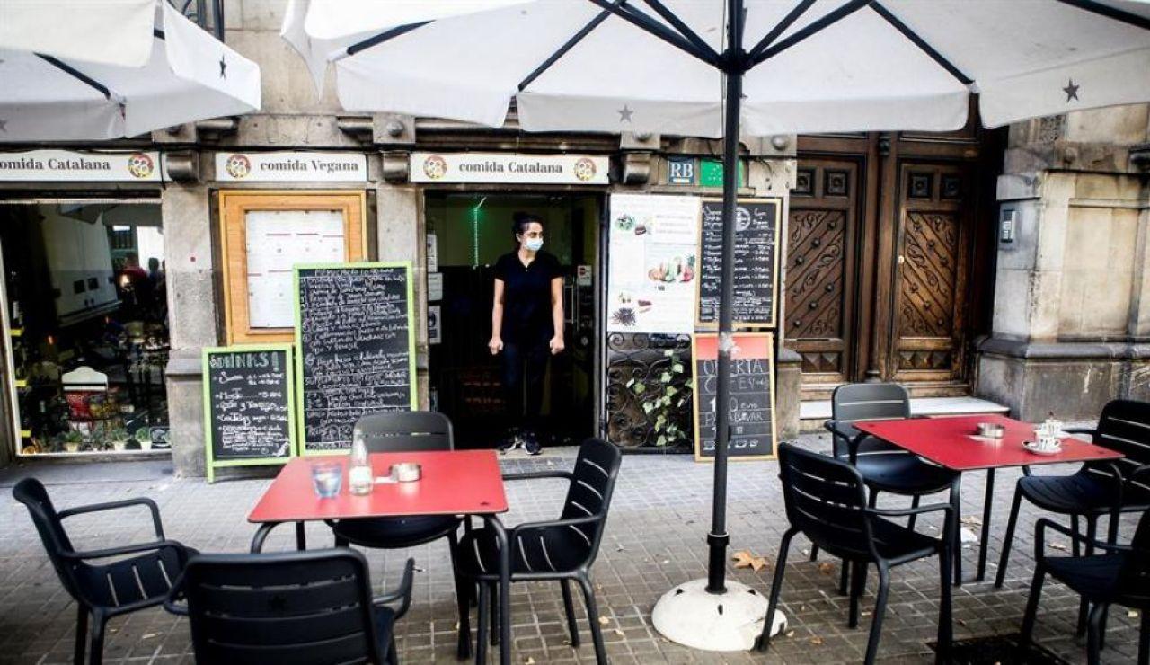 Cataluña no espera la decisión del TSJC y cierra la hostelería