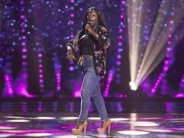 Betty Akna, pasión desbordada con 'Been around the world' en las Audiciones a ciegas de 'La Voz'