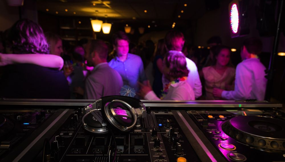 Discotecas y bares de copas se convierten en restaurantes en Madrid