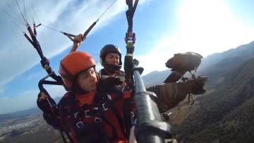 Agustín Docampo practicando parahawking
