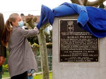 La princesa Leonor descubre la placa que distingue a Somao como pueblo ejemplar de Asturias 2020
