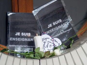 Homenajes al profesor asesinado en París por un joven checheno