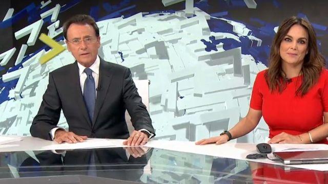 Matías Prats y Mónica Carillo en Antena 3 Noticias Fin de Semana