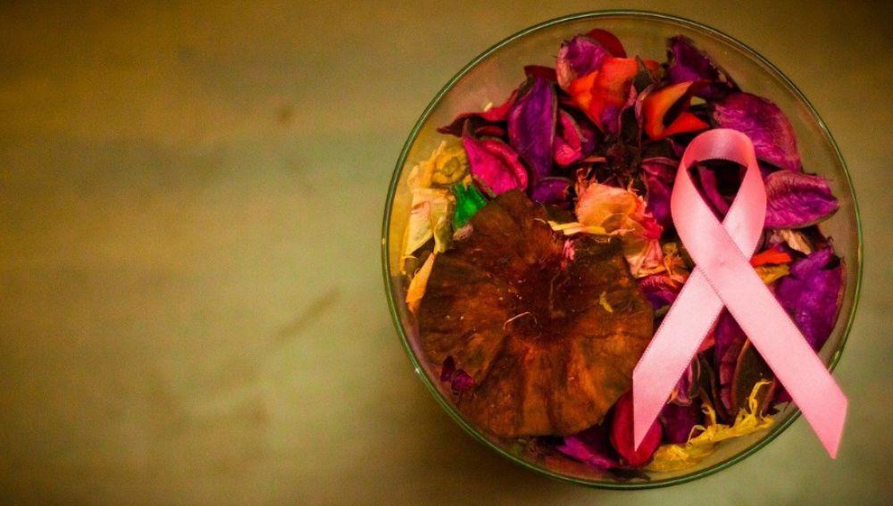 Día contra el Cáncer de Mama 2020: ¿Por qué se utiliza un lazo rosa como símbolo?