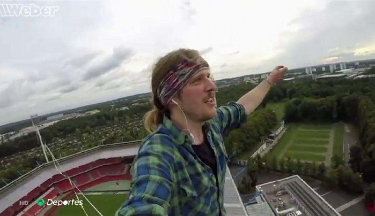 Jens Decke rompe los registros del slackline a 73 metros de altura