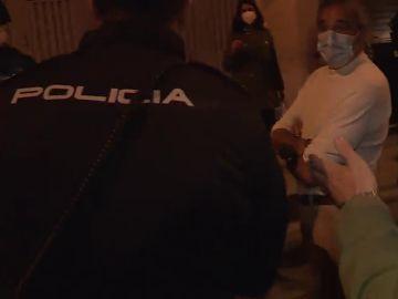 De ronda con la policía de Salamanca por las fiestas clandestinas por el coronavirus