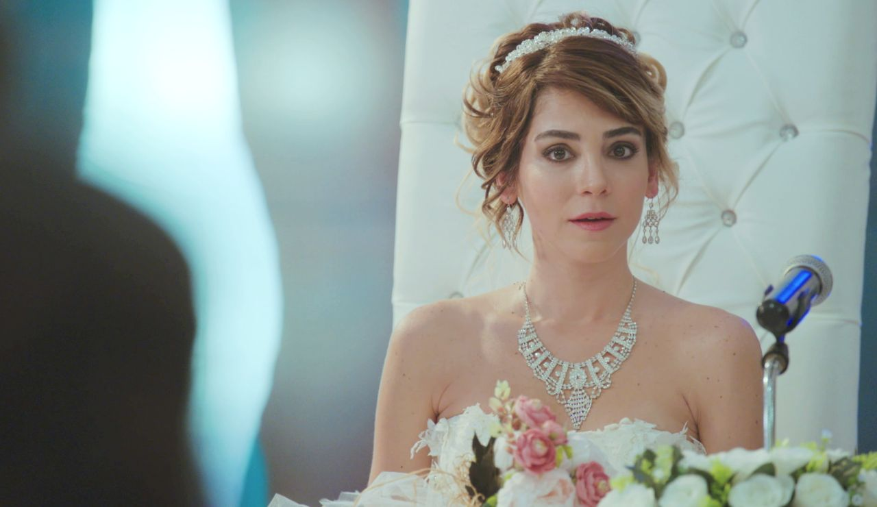 Una boda por obligación: Ceyda da el 'sí, quiero' a Peyami