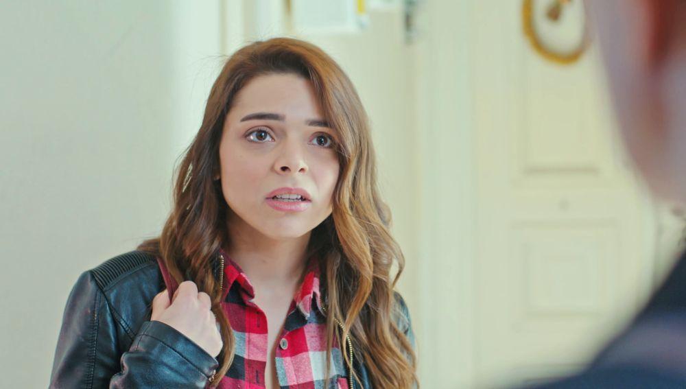 Hatice conoce a la joven que podría salvar la vida de Bahar, a su presunta hermana secreta