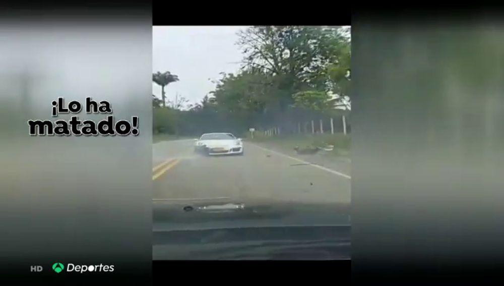 """Un Porsche atropella a un ciclista en Colombia: """"¡Mi papá!"""""""