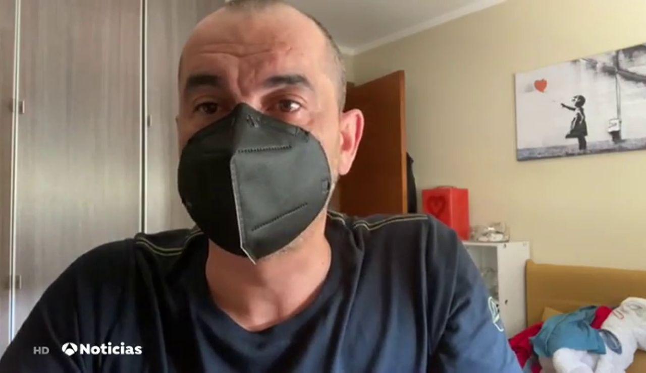 Un asturiano inventa una mascarilla magnética sin gomas y que se puede unir a las gafas para que no se empañen