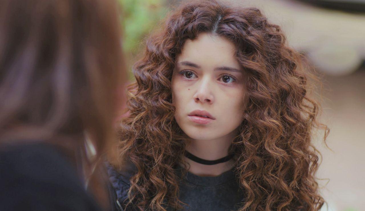"""Avance de 'Mujer': """"¿Por qué cree Sarp que Bahar y los niños están muertos?"""", Hatice busca respuestas de Sirin"""