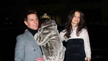 Tom Cruise y Katie Holmes con su hija Suri Cruise