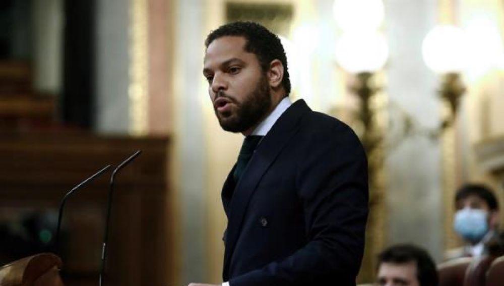 Ignacio Garriga durante la moción de censura de Vox al gobierno