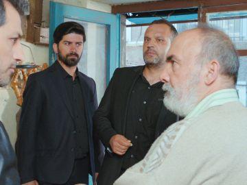 Bahar y sus hijos, a punto de quedarse sin hogar por una apuesta del padre de Arif