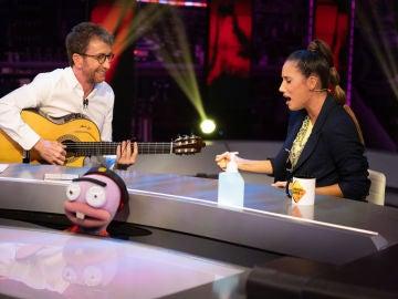 India Martínez canta en directo 'La gitana' con Pablo Motos a la guitarra