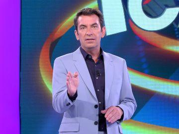 ¿Qué pasa si Arturo Valls trata de ser un presentador serio? Lo comprueba en '¡Ahora caigo!'