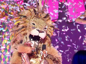 El León conquista en 'Mask Singer' con 'Si por mi fuera' de Beret