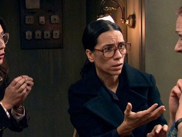 """Manolita, a Cristina tras dar con la primera prueba que les ayudará a resolver el caso de Marisol: """"No estaba loca"""""""
