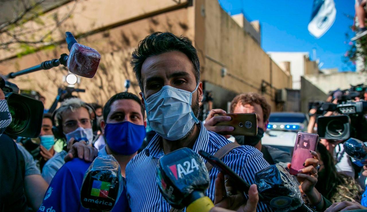 Leopoldo Luque, médico de Diego Armando Maradona, habla con la prensa