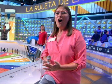 Conchi conquista a todos en 'La ruleta de la suerte' con una canción y un instrumento únicos