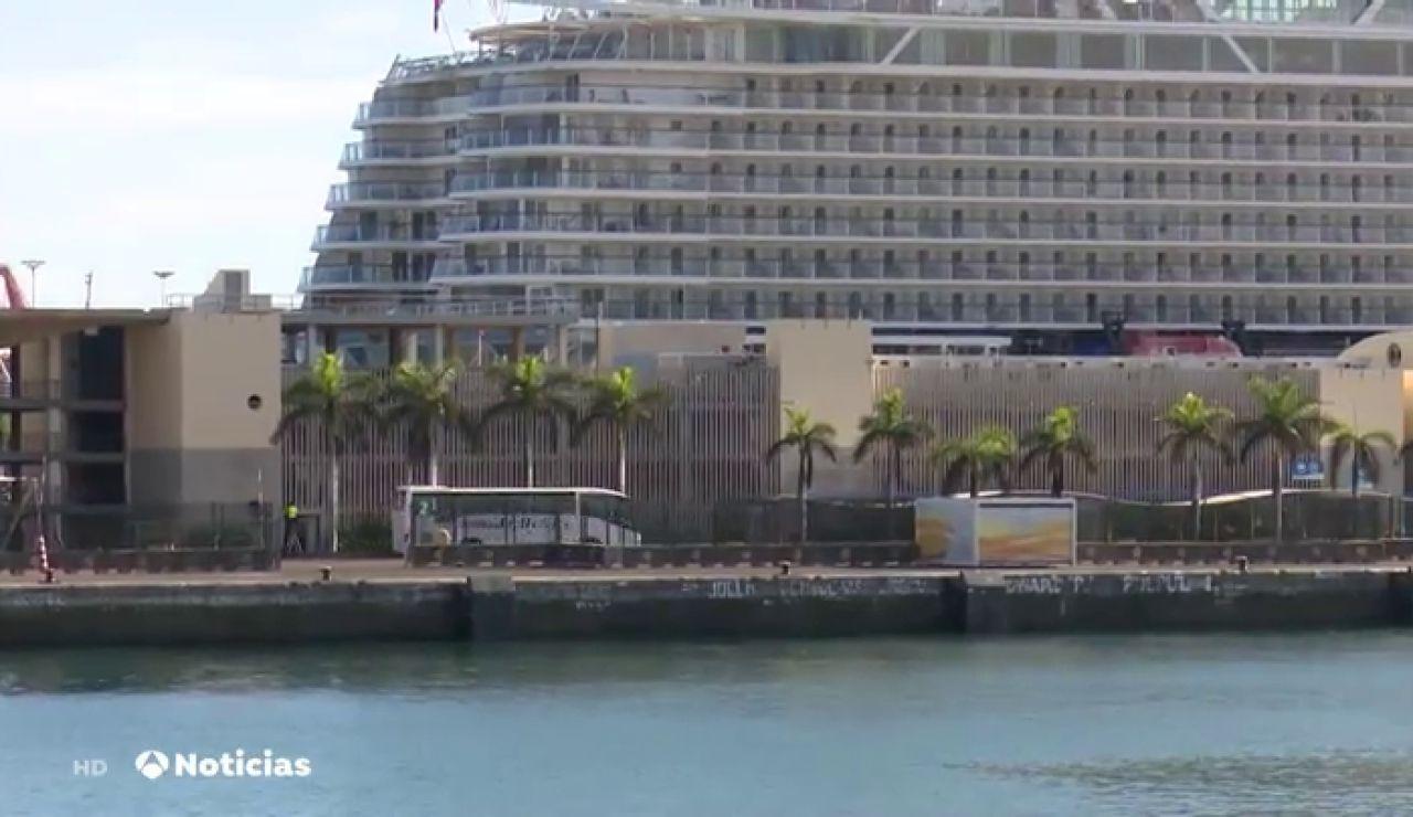 Llega a las islas Canarias el primer crucero con 700 turistas tras el estado de alarma del 14 de marzo