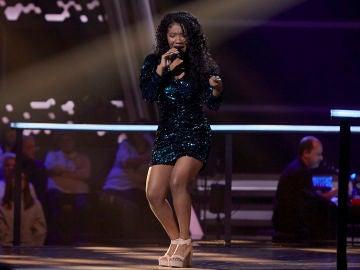 Dayana Emma canta '¿Dónde está la vida?' en los Asaltos de 'La Voz'