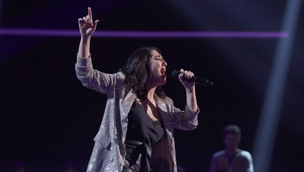 Beatriz Alcoba canta 'I never loved a man' en los Asaltos de 'La Voz'