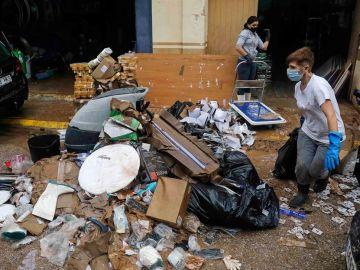Fuertes inundaciones en Valencia y Málaga obliga a cancelar las clases a miles de estudiantes