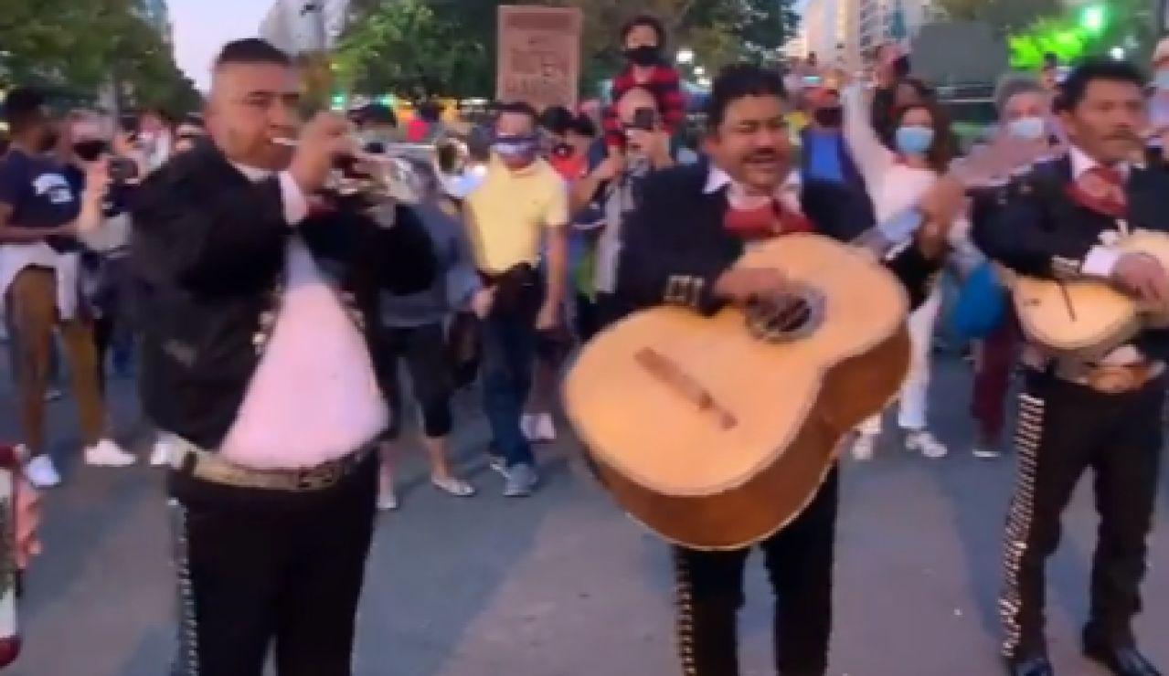Mariachis en la Casa Blanca para despedir a Trump