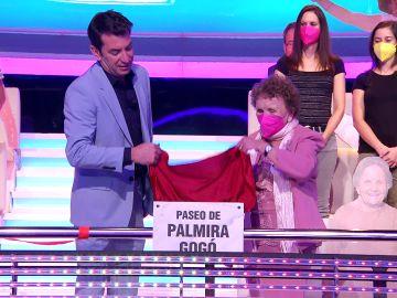¡Histórico! Palmira Gogó inaugura su propio paseo en '¡Ahora caigo!' y lo celebra bailando con Arturo Valls