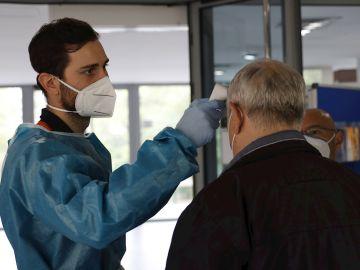 Confinamiento en Madrid, Cataluña, Aragón, Andalucía y País Vasco: puente de diciembre y coronavirus en España
