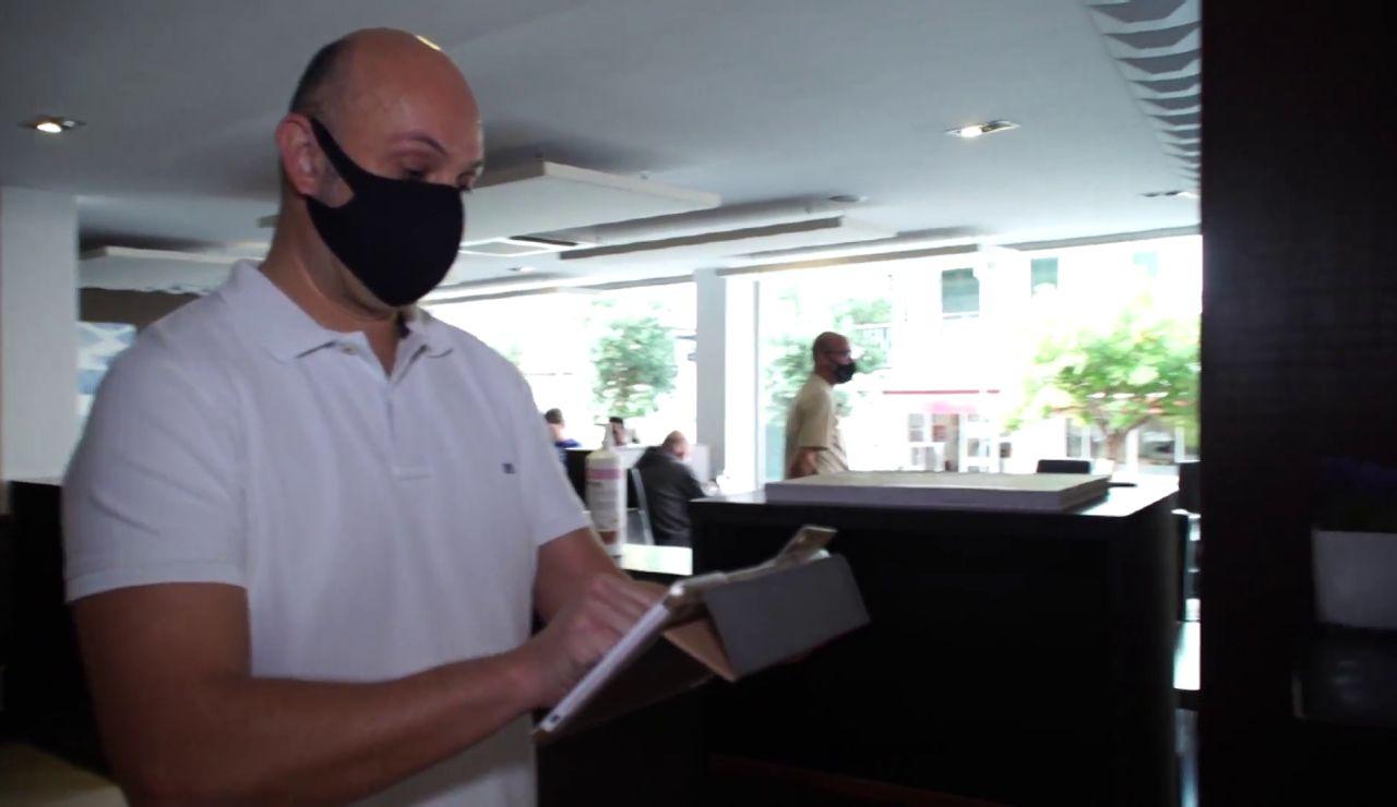 Baleares obligará a los clientes de la hostelería a dar sus datos en caso de un brote